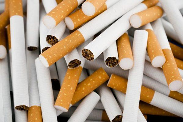 Trong thuốc lá chứa chất Coumarin là một chất cấm gây nguy hiểm cho sức khỏe con người.